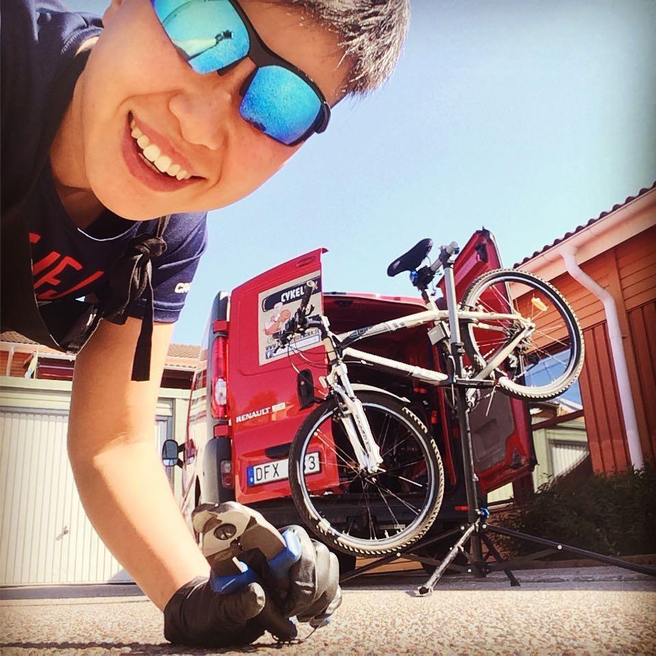 Vårfixa din cykel – Nygräddade våfflor medan du väntar